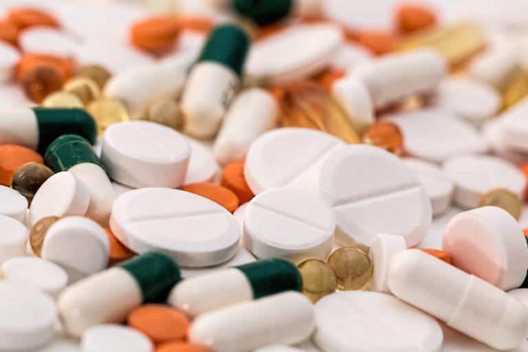 Antybiotyk a znieczulenie u dentysty — na co uważać?